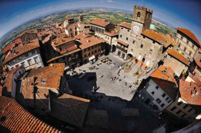 Reportage Cotona, Fraces Mayes